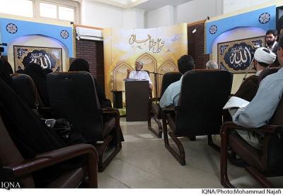 صابره: تصاوير جلسه برگزار شده در نمايشگاه قرآنكريم بخش تحول علوم انساني(2)